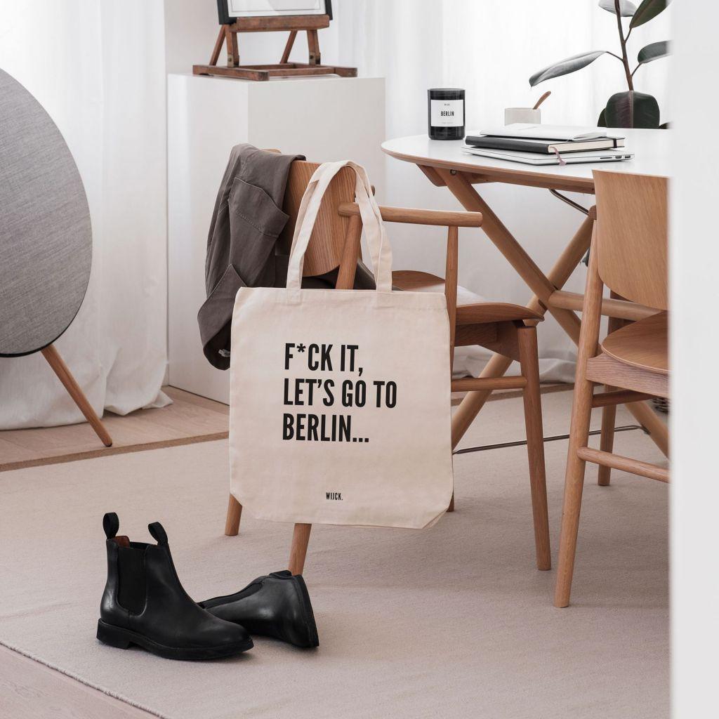 Productshot_ToteBag_Berlin_s_lifestyle