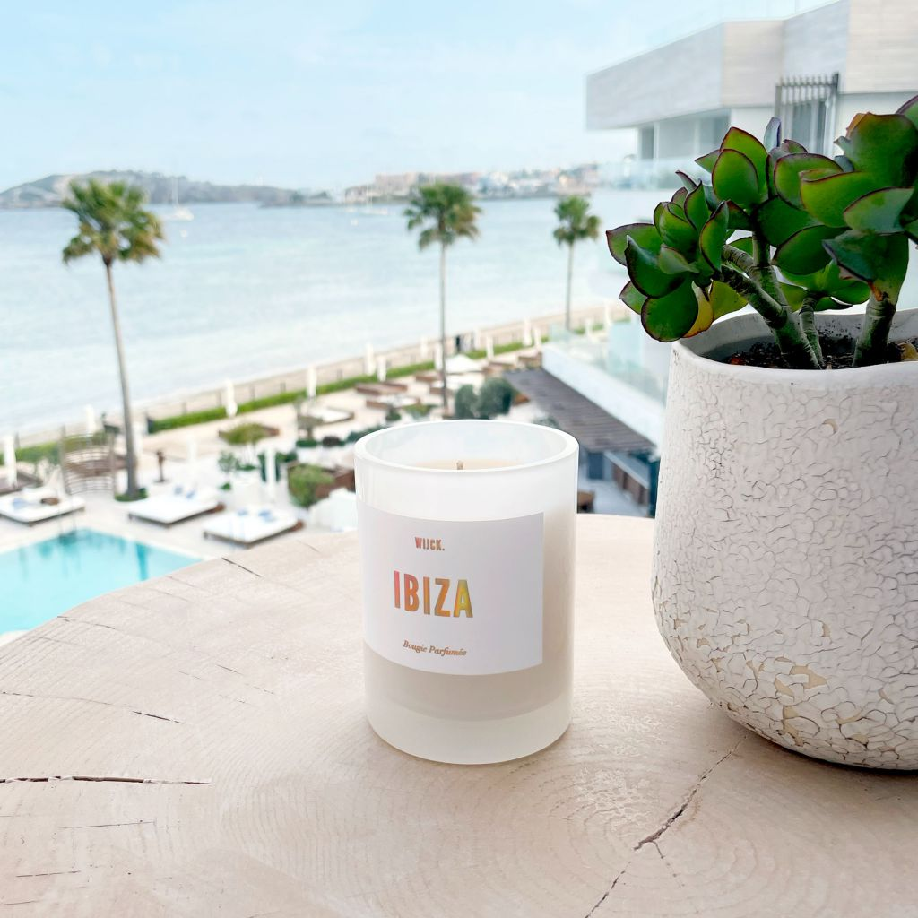 WIJCK_Ibiza-Candle_Lifestyle1_1-1